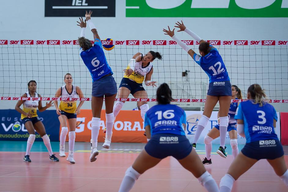 Primeiro set foi o mais disputado da partida. Vitória do Osasco por 25x20 - Foto: Carlos Teixeira/Agência EB