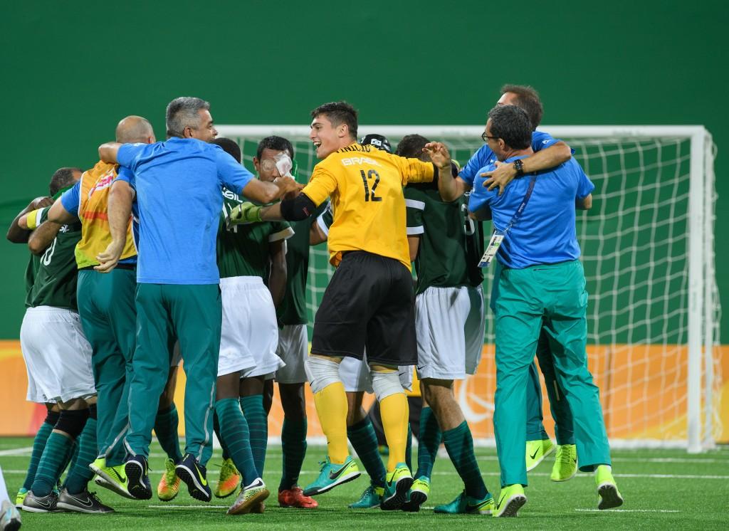 Seleção brasileira venceu por 1x0 e faturou o ouro no futebol de 5 - Foto: Bob Martin/OIS/IOC