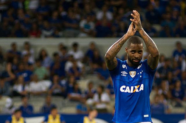 Zagueiro Dedé, do Cruzeiro, está no radar do técnico Tite numa eventual convocação para a Copa do Mundo - Foto: Vinnicius Silva/Cruzeiro EC