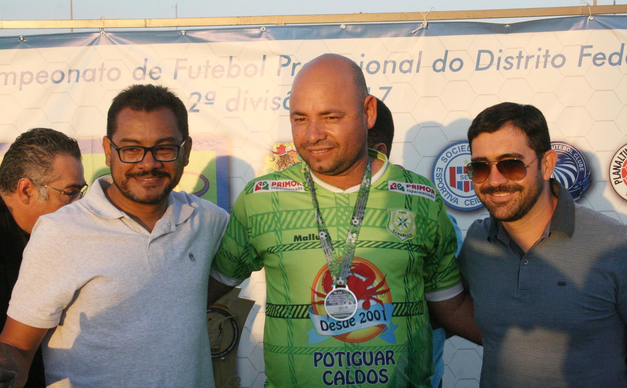 """Erivaldo Alves (E): """"sou da opinião de que o ideal seja de 10 equipes no nosso campeonato candango"""" - Foto: Marco Antônio Tchefy/Divulgação"""