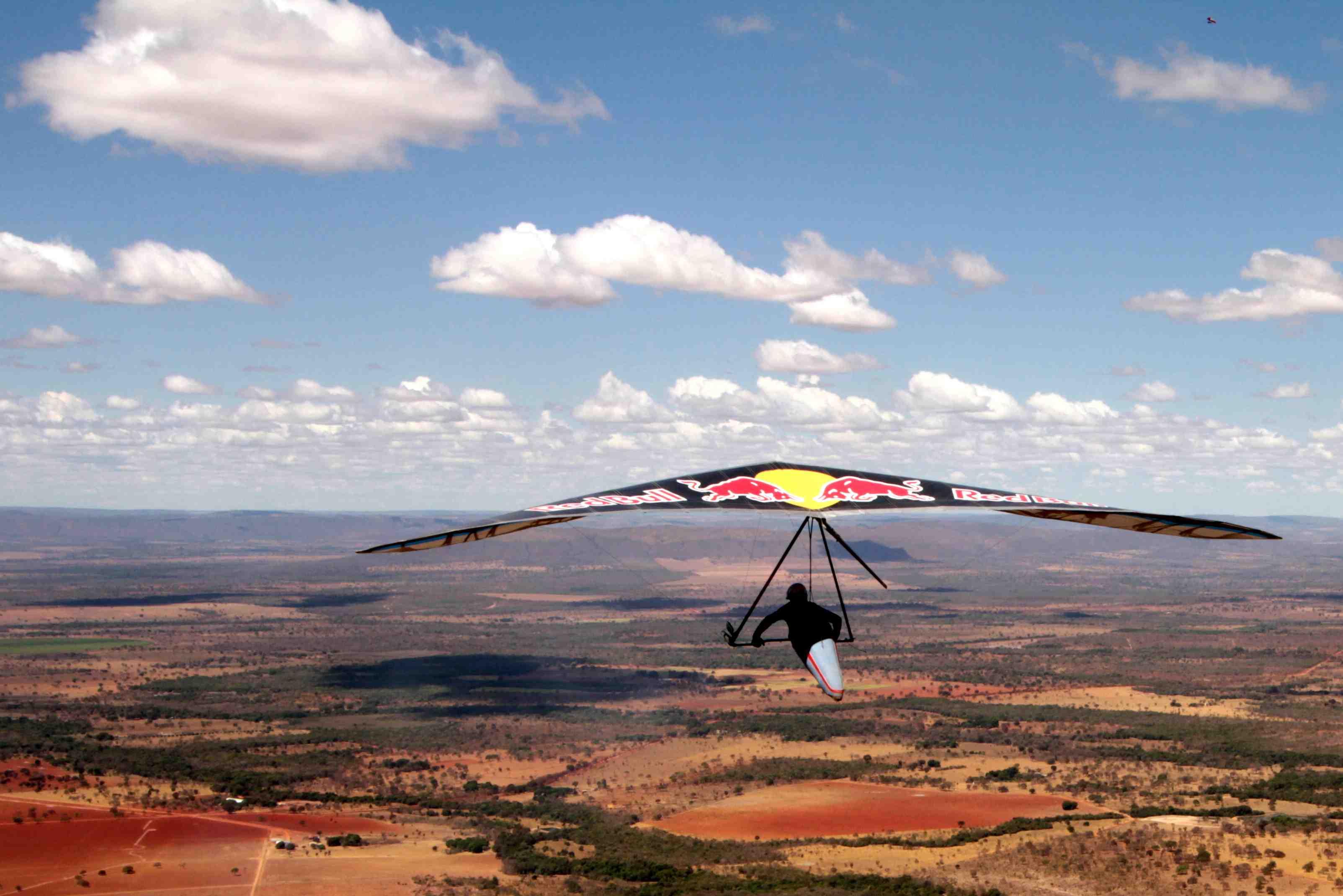 Mundial de Asa Delta volta a Brasília após 12 anos. Decolagens serão feitas em Formosa/GO a cerca de 1000 metros de altitude - Foto: Alex Farias/Arquivo EB