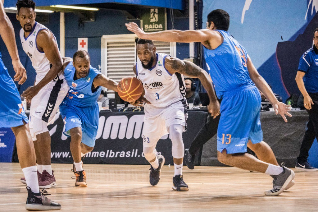 Universo/Brasília perde a sétima partida no NBB e vai para jogo fundamental diante do Joinville - Foto: Lucas Guanaes/Divulgação