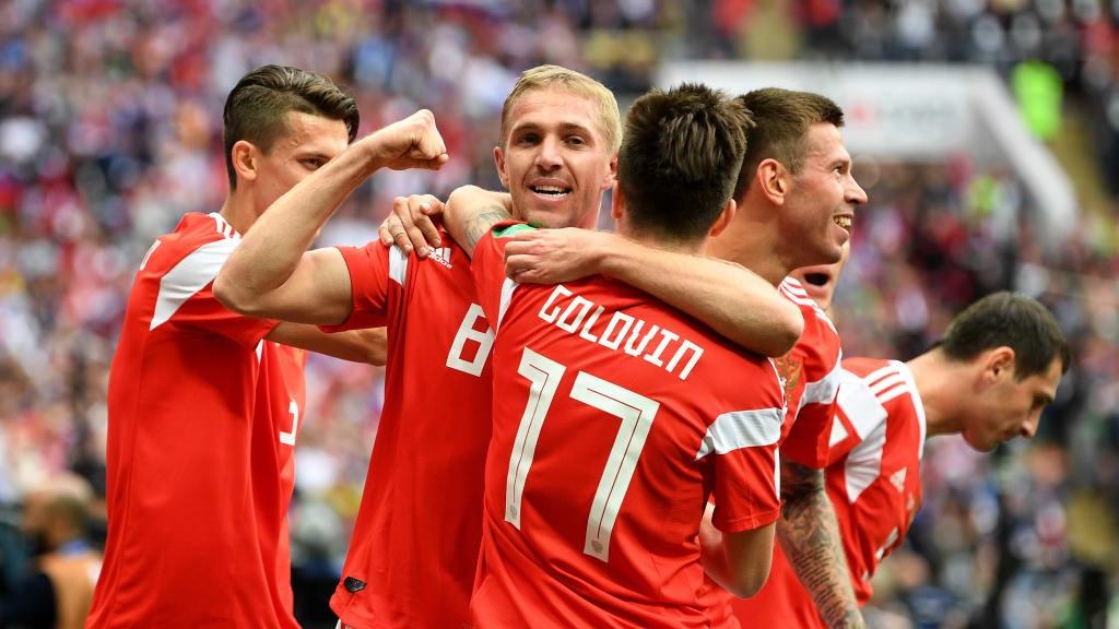 Gazinsky abre o placar para a Rússia ainda na primeira metade do primeiro tempo